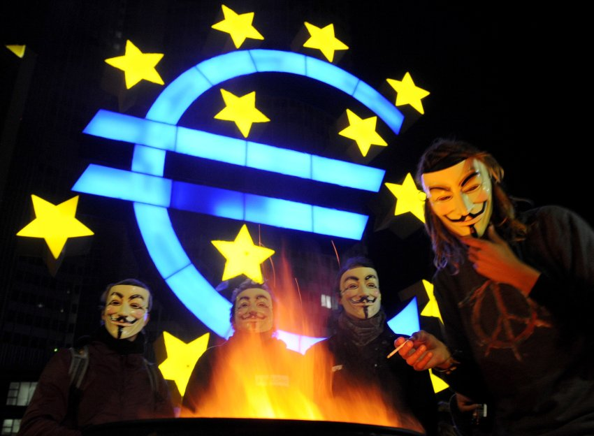 "Occupy Wall Street protesters in Frankfurt wearing masks from the movie ""V"""